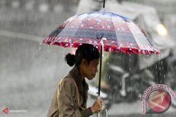Sembilan kota di NTT diguyur hujan