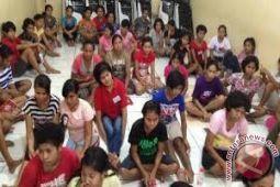Ratusan TKI ilegal NTT kantongi KTP Riau