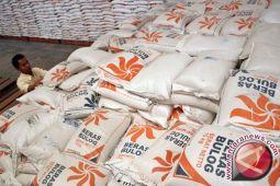 Stok beras di Biak Numfor cukup untuk 10 bulan