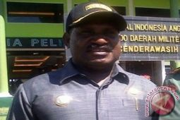 Willem Wandik-Pelinus Balinal  kalahkan kotak kosong di Kabupaten Puncak