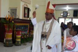 Uskup Timika minta paslon pilkada Mimika hindari konflik