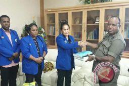 KAP Papua serahkan pertanggungjawaban dana hibah 2017