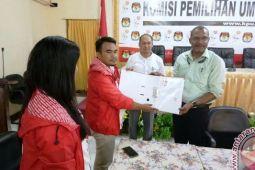 Pengurus mendaftarkan PSI Papua ke KPU