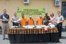 Polres Jayapura musnahkan empat kilogram ganja