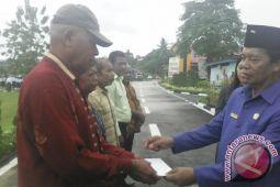 Pemkab Biak Numfor santuni veteran dan perintis kemerdekaan
