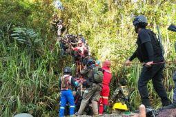 Evakuasi jenazah Brigadir Firman terkendala cuaca