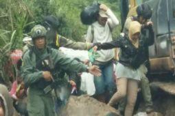 Satgas Terpadu TNI-Polri evakuasi warga sipil dari Banti-Kimbeli