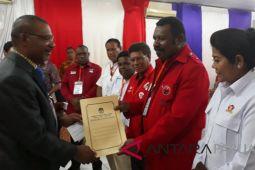 Koalisi Papua Cerdas daftarkan JWW-HMS ke KPU Papua