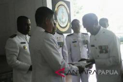 KSAL beri bansos kepada pelaku pertempuran Laut Aru