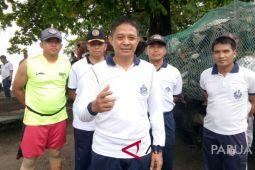 Danlantamal Jayapura pimpin aksi bersih-bersih Pantai Hamadi