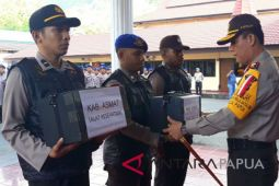 Kapolda Papua lepas tim kesehatan ke Asmat