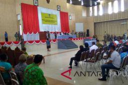Pelantikan pejabat Pemkab Mimika diwarnai aksi protes