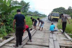 12 jembatan penghubung Jayawijaya-Lanny Jaya masih konstruksi kayu
