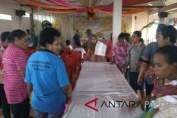 Disperindag Papua latih mama Kamoro cara membatik