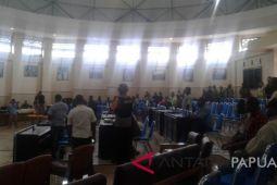 Rapat pleno rekapitulasi penghitungan suara pilkada di Jayawijaya ricuh