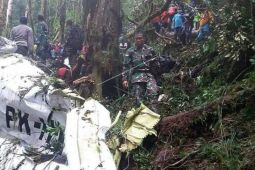Evakuasi jenazah korban kecelakaan pesawat Dimonim terhambat cuaca