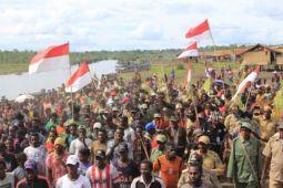 Ribuan warga Derkomur rela tidur di bivak demi merayakan HUT RI