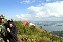 Peserta SMN Aceh mengagumi keindahan Danau Sentani