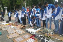 Peserta SMN Aceh belanja kerajinan tangan