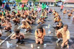 1.000 anak Asmat ikut kegiatan sikat gigi massal
