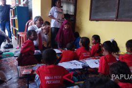 Direktur Pertamina kunjungi Rumah Pintar di Jayapura