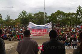 Pencari kerja di Jayawijaya demo tolak penerimaan CASN sistem daring