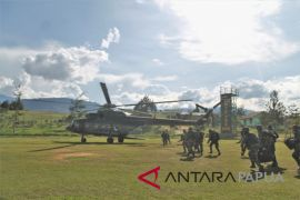 Dua anggota TNI terluka saat kontak tembak dengan KKSB