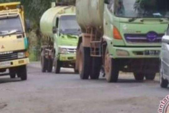 Legislator Siak Desak Pemda Perbaiki Jalan Rusak