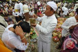 Umat Hindu di Parigi gelar ritual Melasti