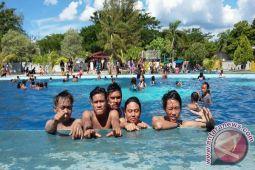 Obyek wisata pinggiran Palu diserbu wisatawan lokal