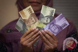Uang beredar tumbuh melambat di Oktober
