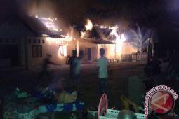 Tiga rumah dilalap api di Perumahan Untad Palu