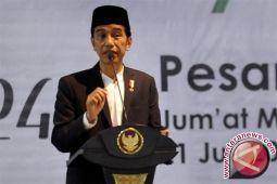 Jokowi jelaskan regulasi bertumpuk hambat kecepatan pembangunan