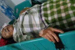 Nenek ini tergeletak di RSUD Poso setelah dilindas kendaraan baracuda?