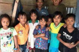 Anak-anak suku Lauje di Bambanipa tak ada yang sekolah