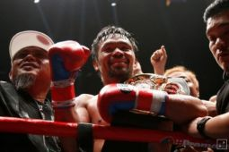 Pacquiao tundukkan Matthysse untuk menangi gelar kelas welter