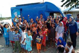 Tim Pusbang Film Kemendikbud hibur anak-anak pengungsi bencana
