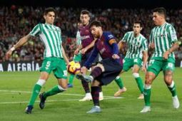 Barcelona tetap puncaki klasemen meski alami kekalahan