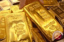 Emas jatuh akibat dolar terus menguat