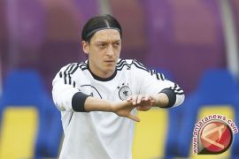 Ozil mengundurkan diri dari timnas karena merasa