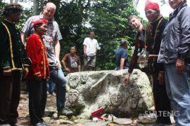 Perwakilan Kedubes Jerman kunjungi situs Megalit Poso