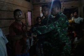 Warga Mumpe Banggai temukan senjata yang hilang 2013