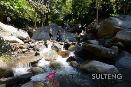 Wisata alam pemandian Mantikole