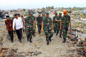 Panglima TNI tinjau lokasi bencana di Palu