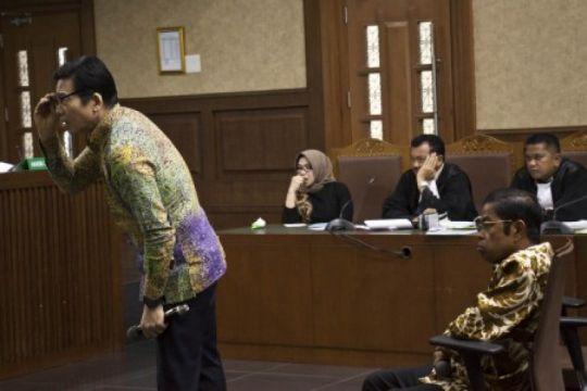 Idrus Marham didakwa terima suap bersama Eni Saragih