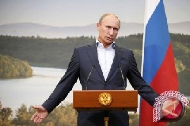 Putin unggul jauh dalam hitung cepat pilpres Rusia