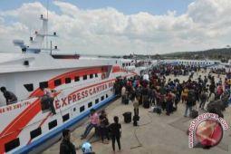 Meningkat, arus penumpang Pelabuhan Kendari
