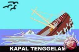 Tiga penumpang kapal tenggelam ditemukan selamat