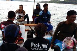 Antam Ajar Nelayan Buat Alat Tangkap Ramah Lingkungan