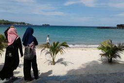 Pengunjung wisata Pulau Bokori diminta jaga kebersihan